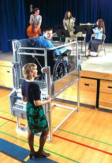 "Portable Wheelchair Lift ""Mobilift"""