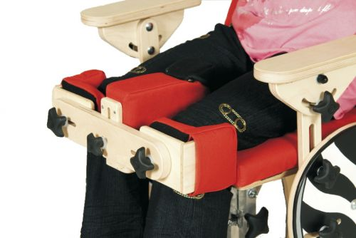 Knee stabilization for rehabilitation chair
